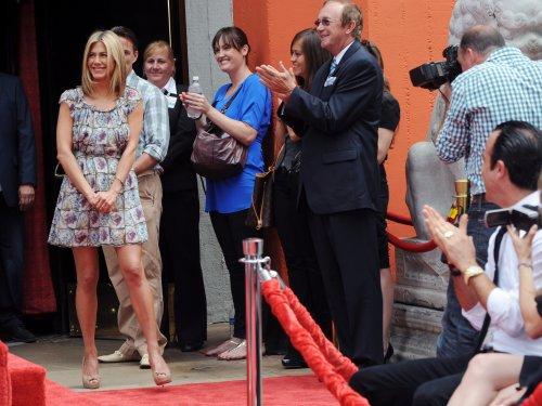 Aniston-Online J. recevant sont étoile sur le Walk Of Fame