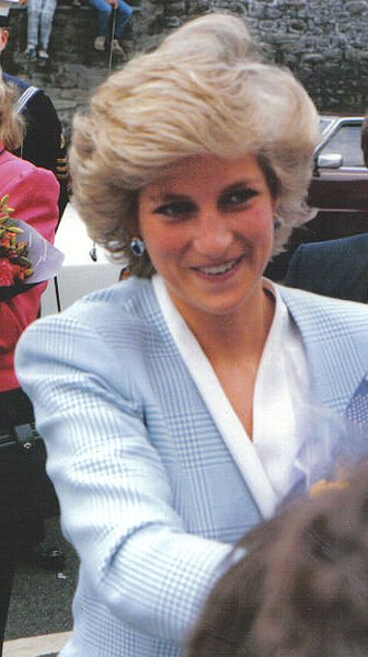 13 ANS QUE LA PRINCESSE LADY DIANA EST MORTE ACCIDENTELLEMENT A PARIS