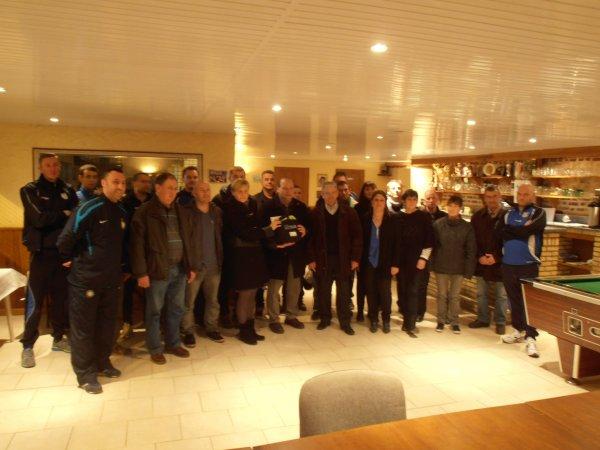 DON D'UN DEFIBRILLATEUR AU FOOTBALL CLUB DE BOUVIGNY BOYEFFLES 62
