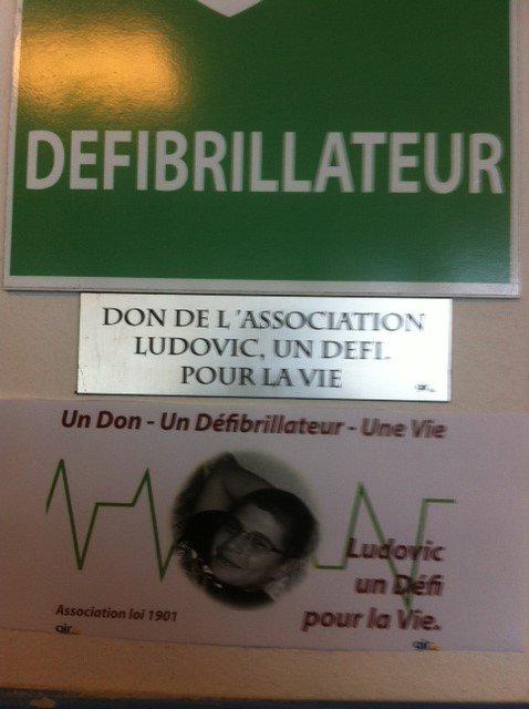DON D'UN DEFIBRILLATEUR A LA DDSP DE CAYENNE EN GUYANE 973