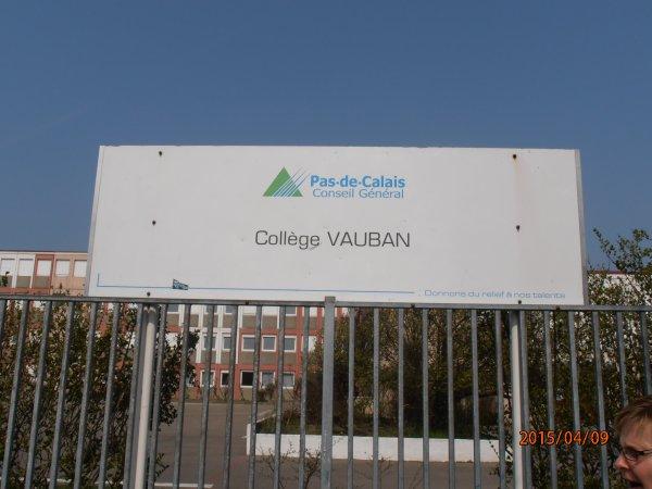 DON D'UN DEFIBRILLATEUR AU COLLEGE VAUBAN DE CALAIS 62.