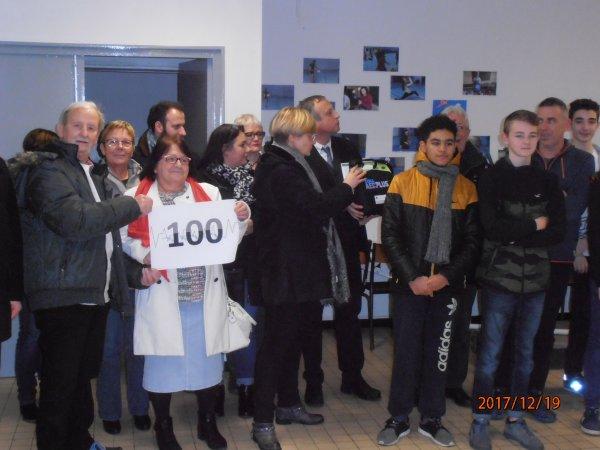DON D'UN DEFIBRILLATEUR AU COLLEGE JEAN DE SAINT AUBERT DE LIBERCOURT 62-