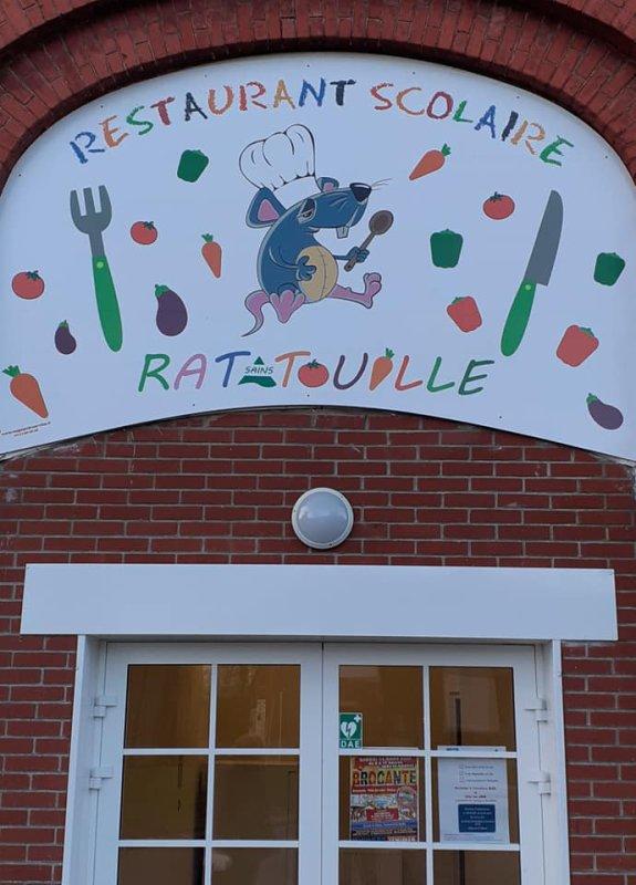"""DON D'UN DEFIBRILLATEUR AU RESTAURANT SCOLAIRE """"RATATOUILLE"""" DE SAINS EN GOHELLE"""