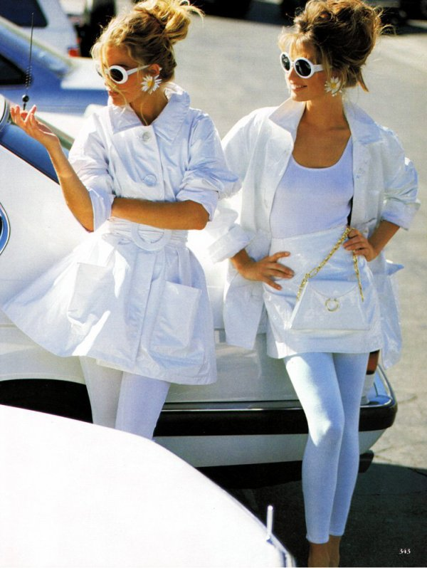 Karen Mulder & Elaine Irwin (Vogue US February 1991)