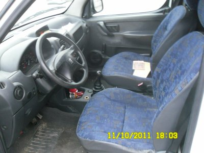 Peugeot partner 2.0 hdi 2004 interieur - Divers pieces de motos et ...