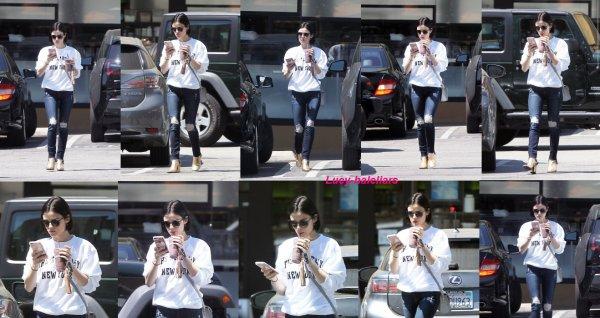 le 14 avril 2017 - Lucy dans les rue de los angeles
