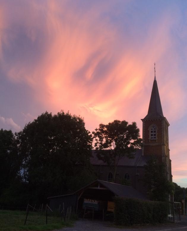 Le ciel wallon déchiré par la foudre cette nuit: les impressionnantes photos