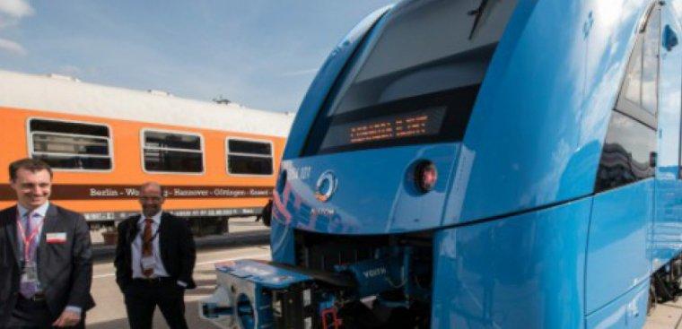 """Le train """"zéro émissions"""" d'Alstom sur les rails allemands en 2018"""