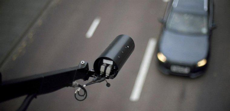 Téléphone au volant et non-port de la ceinture verbalisables « à la volée » par caméra dès demain