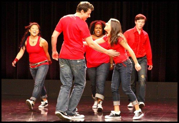 Saison 1 - Episode 1 : L'effet Glee