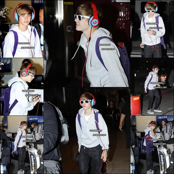 - Photos de Justin quittant l'aéroport de Baltimore - 6 Septembre -