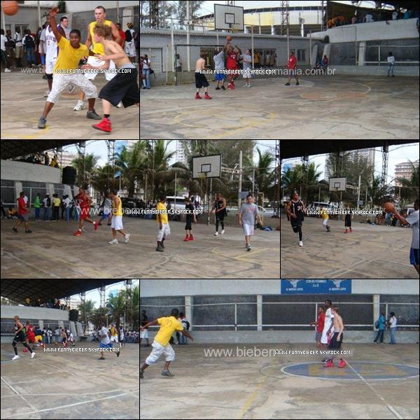 - - Photos de Justin à Mozambique en Afrique du Sud, où il passe du temps avec une famille et joue au Basket. - -