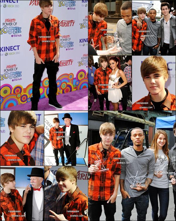 - - Justin était à l'évènement Variety's 4th Annual Power Of Youth Event qui met en avant les jeunes stars s'engageant dans des actions humanitaires et Justin sera honoré pour son aide envers Pencils Of promise Où il était très souriant ! +Vidéo - -