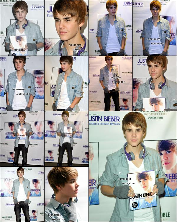 - - Justin était à la séance de dédicasse pour  son livre « First Step 2 Forever » à New York. On peut voir  qu'il s'est coupé les cheveux ;).  - 26 Novembre - -