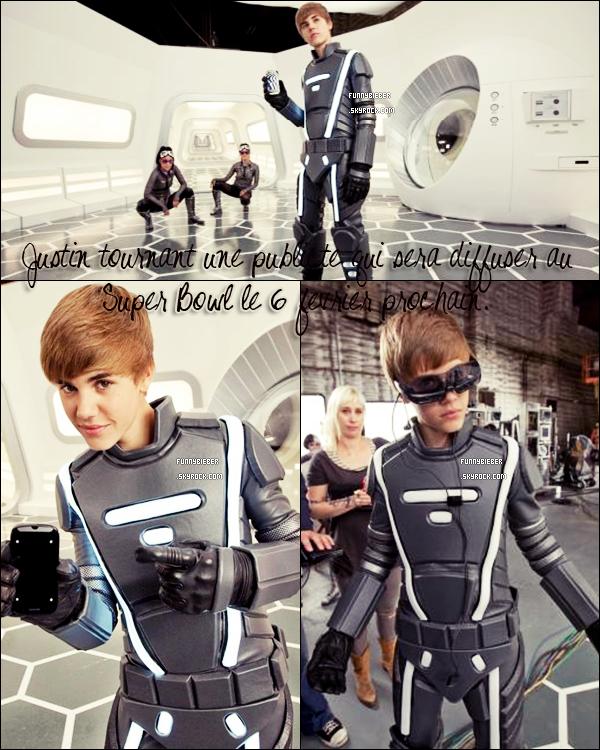- - Justin arrivant à l'aéroport de Los Angeles - 26 Janiver - -