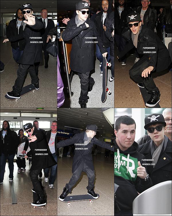 - - Justin a été aperçu a bord d'un skate dans l'aéroport de Birmingham - 6 Mars - -