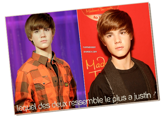 """- - Justin admiré sa statue de cire au musée de """" Madame Tussauds """" à Londres - 15 mars.  - -"""