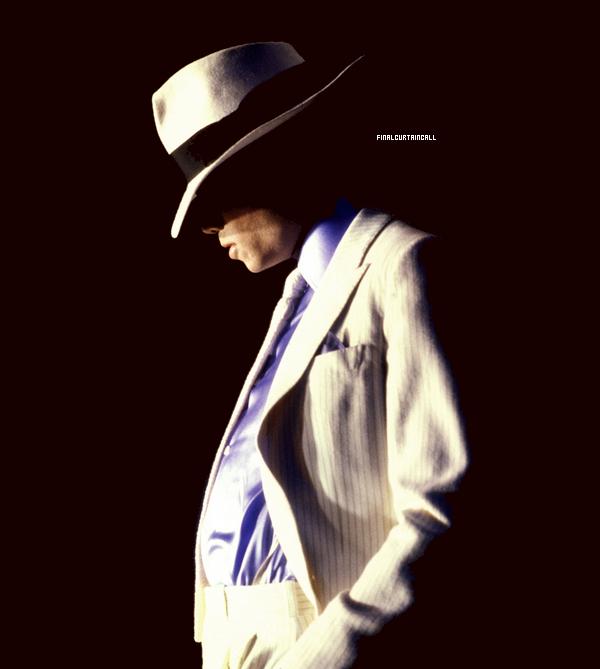 """"""" Chaque jour, vous êtes en quête d'immortalité, vous voulez que votre création vive, qu'il s'agisse de sculpture, de peinture, de musique ( ... ). Comme l'a dit Michael-Ange, le créateur peut disparaître mais son oeuvre survira, moi aussi je tente d'échapper à la mort en mettant toute mon âme dans mon travail. C'est ainsi que j'ai le sentiment de donner toujours le maximum; donner tout de que j'ai , vous comprenez ? """" ~ By Michael Jackson"""