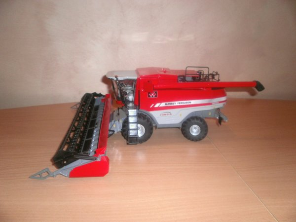 batteuse massey fergusson fortia 9895