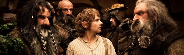 Dans un trou vivait un hobbit. Ce n'était pas un trou déplaisant, sale et humide, rempli de bouts de vers et d'une atmosphère suintante, non plus qu'un trou sec, nu, sablonneux, sans rien pour s'asseoir ni sur quoi manger : c'était un trou de hobbit, ce qui implique le confort. [J.R.R. Tolkien]
