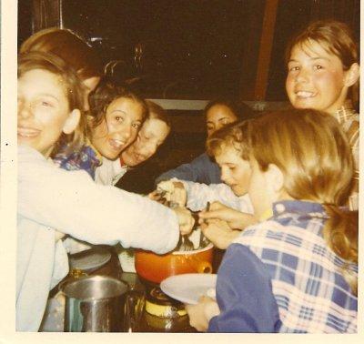 ecole bourg la reine st sorlin en f vrier 1974 la fondue savoyarde ecole bourg la reine. Black Bedroom Furniture Sets. Home Design Ideas