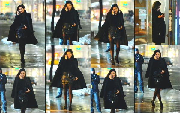 - 12.02.17 ─ La belle Shay Mitchell est photographiée alors qu'elle était tranquillement dans les rues de New York ! [/s#00000ize]Enfin une sortie pour Shay, cela faisait longtemps que nous n'avions pas eu droit à un candid ! C'est pour l'occasion de la fashion week qu'elle ré apparait   -