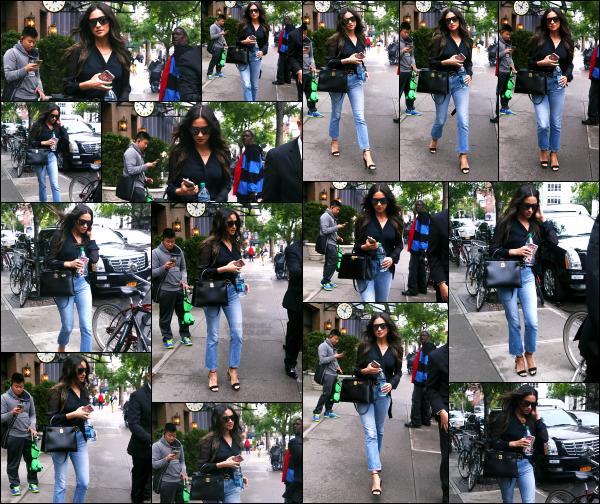 - 06.06.17 ─ Notre très belle Shay Mitchell est photographiée alors qu'elle se promenait dans les rues de New York[/s#00000ize]Encore une petite sortie pour Shay, mais cette fois à New York ! La belle à quitté la californie pour se rendre à un évènement qui a lieu le soir même. Top -