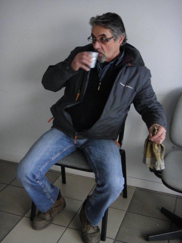 Mr Michel GUIDEZ, Pénard au bar !!