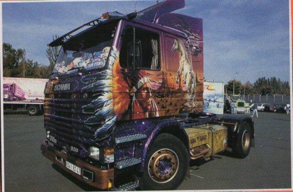 Ancien Scania à Tonton la plume !!