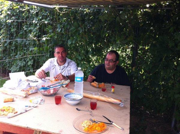 Barbeuk party avec la grèle, papillon et Steph