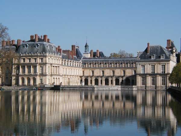 Principales Demeures des rois de France_château de Fontainebleau