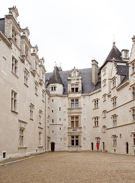Principales Demeures des rois de France_château de Pau
