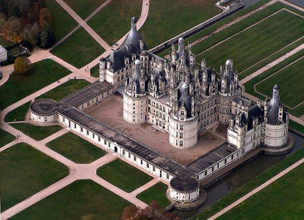 Principales Demeures des rois de France_château de Chambord