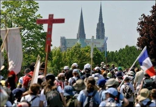Les Pèlerinages _ _ Pèlerinage étudiant à Chartres