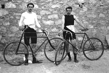 Sports et Divertissements _ _ Histoire du cyclisme sur route.