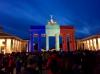 Paris en deuil, la planète en bleu-blanc-rouge