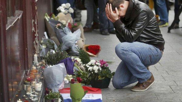 Trois jours de deuil national: du jamais-vu sous la Ve République