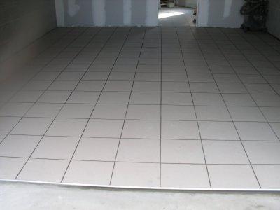 Bricolage jacques carrelage garage jacquot 79 for Carrelage de garage