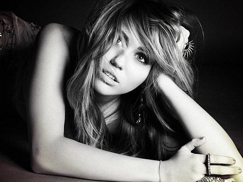 -    Nouvelle Photo du shoot Marie Claire .