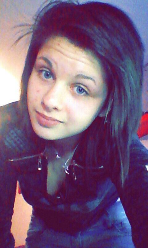 je ne cherche pas l'amour car il me fuit ..❤