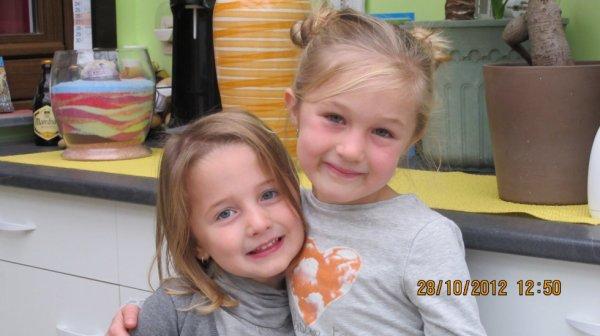 Mes deux petites filles , Nora et Ines