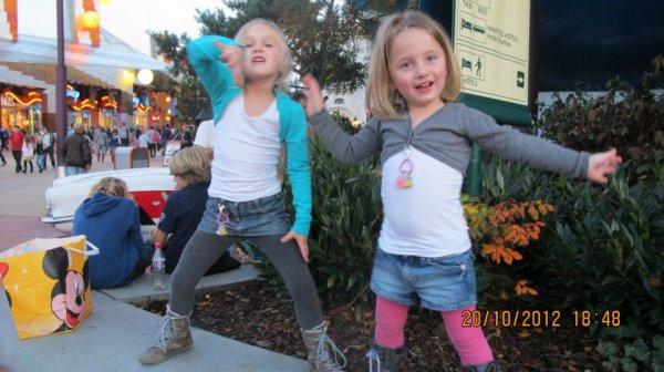Mes deux petites filles à Euro disney Paris