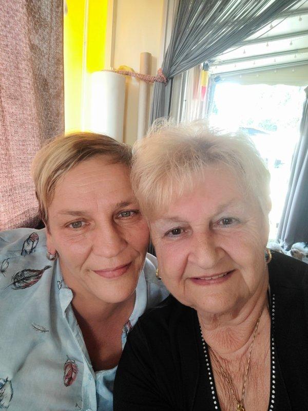 Ma meilleure amie et moi le jour de mes 72 ans