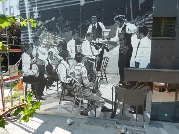 Les Fresques Charlie Chaplin – Tours Gilamont – Vevey – Suisse – Parrainées par Jamel Debbouze – Inaugurées le 8 octobre 2011
