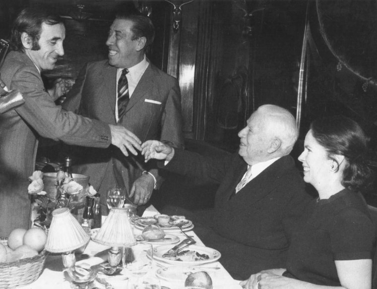 Photo coup de coeur : Charles Chaplin, Oona O'Neill, Fernandel, Charles Aznavour