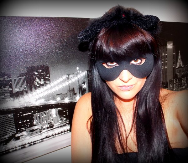 prete pour ma soirée Halloweenn (enfin presque :P catwoman)