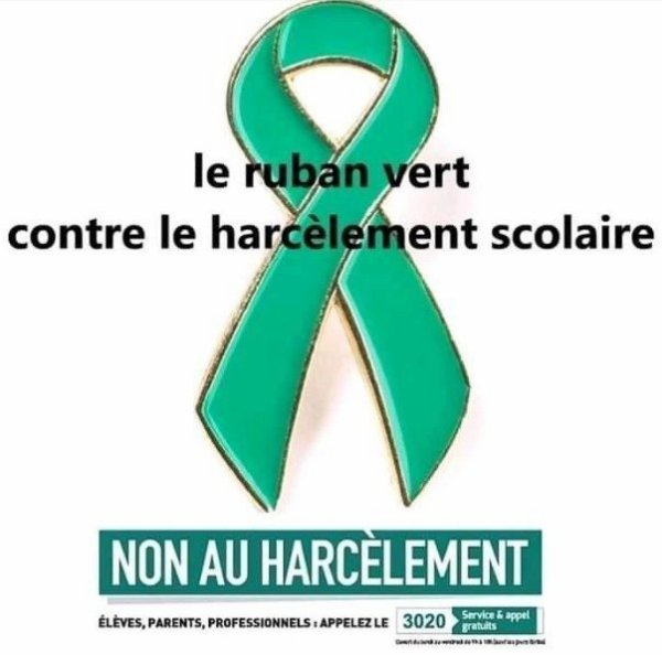 ruban vert contre le harcèlement scolaire