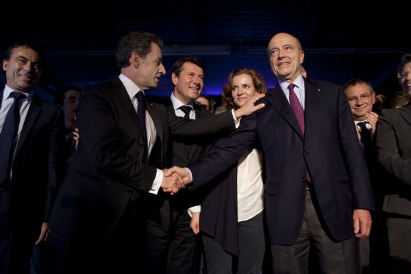 A Bordeaux, Juppé hué par les partisans de Nicolas Sarkozy