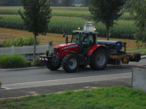 MASSEY-FERGUSSON 7480 et semoir a blé AGRISEM 3000