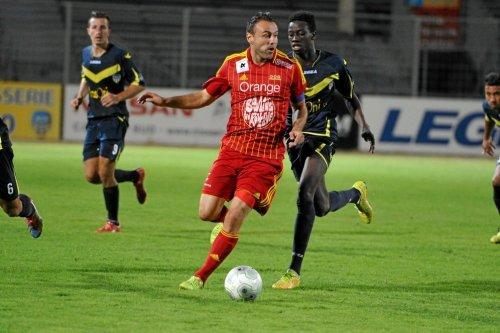 "Football: Rodez ""profite"" d'Arles-Avignon"